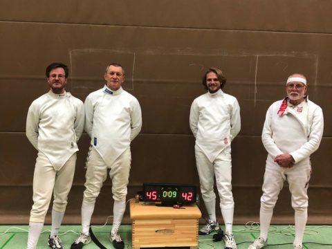 Überraschung! Degenmannschaft schlägt TK Hannover im Deutschlandpokal